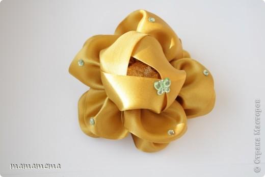На создание этих радужных бантиков меня вдохновила Светлана Неволшебница, Спасибо ей большое! Самое замечальтельное, что они идут, почти, под любой наряд (если он не черно-белый, конечно) фото 3