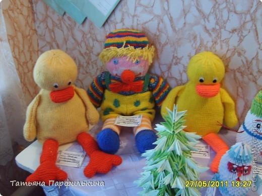 Выставка детских работ в Детском центре. Работы выполнены по книге Татьяна Просняковой и по страницам сайта Страны мастеров. фото 2