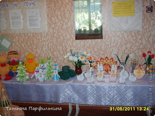 Выставка детских работ в Детском центре. Работы выполнены по книге Татьяна Просняковой и по страницам сайта Страны мастеров. фото 1
