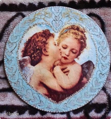 Девочки! Представляю вам очередное панно на виниловом диске  (диаметр 25 см) « Амур и Психея». Таким я его себе с утра представила,  сделала эскиз, к вечеру было готово.   фото 1