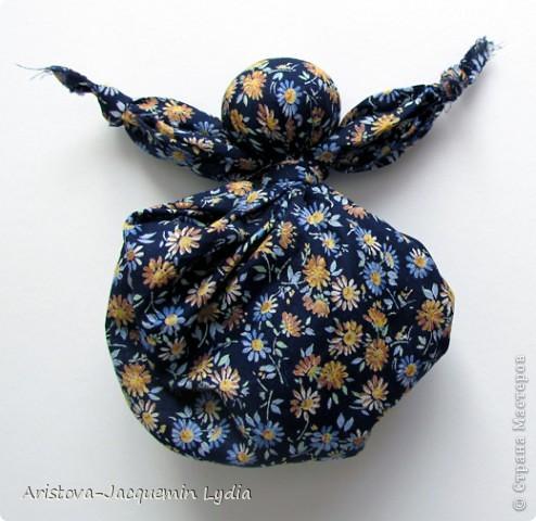 Кукла Кулёма - одна из самых простейших кукол. Матери делали для  детей таких кукол из своих головных платков или кусков ткани. фото 7