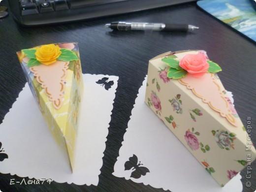 Очень понравился МК Anjuta, решила тоже сделать тортик на день рождение девчонкам коллегам, но не подрасщитала время пришлось урезать тортик до пироженных. И вот что из этого вышло.  фото 5