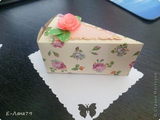 Очень понравился МК Anjuta, решила тоже сделать тортик на день рождение девчонкам коллегам, но не подрасщитала время пришлось урезать тортик до пироженных. И вот что из этого вышло.  фото 4