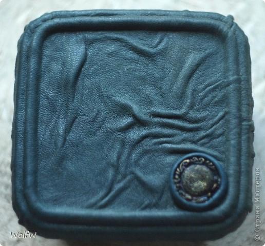 Нежданчиком потребовалось подарить сувенир. Была одобрана коробка от паштета и в срочном порядке заклеена фото 2