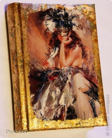 Эксклюзивный сверкающий ежедневник (не датированный), декорированный в технике декупаж, с отделкой хлопьями золотой потали.  фото 2