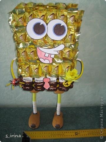 Подарок из конфет- губка Боб фото 2