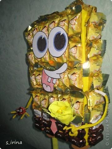 Подарок из конфет- губка Боб фото 5