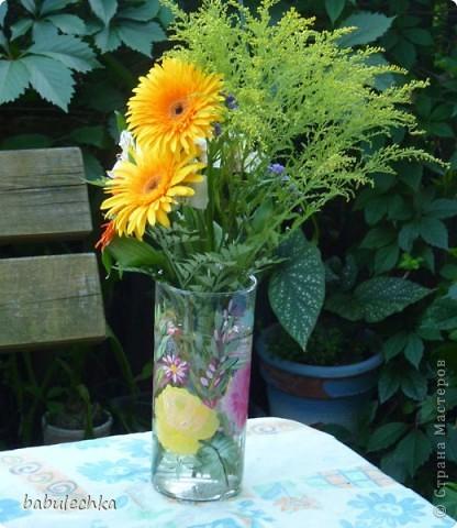 Нежнорозовая роза и бабочка фото 2