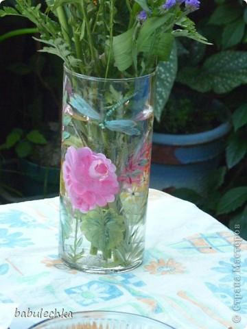 Нежнорозовая роза и бабочка фото 4