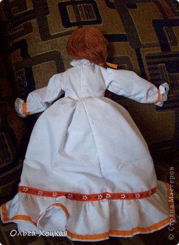 Вот и я пошила свою первую куколку для дочурки.  Назвали ее Даша.Это куколка-перевертыш. У нее два платья. В одном она спит, в другом хозяйничает.   фото 6