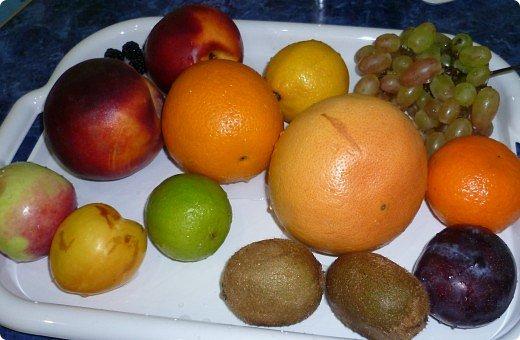 Вот такая фруктовая нарезочка получилась на дочуркин ДР. фото 2