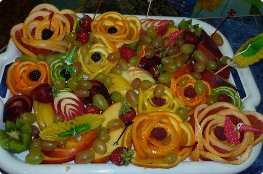 Вот такая фруктовая нарезочка получилась на дочуркин ДР. фото 1