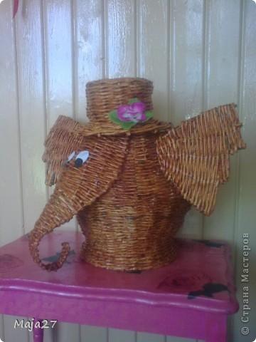 Слон-талисман фэн-шуй,приносит удачу хозяевам дома и их детям,стимулирует творческий потенциал.Cчитается,что наличие в доме этих добрых великанов обеспечивает исполнение всех желаний. фото 2