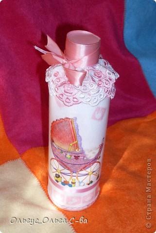 Бутылка сделана в подарок подруге, родившей третьего ребенка! фото 2