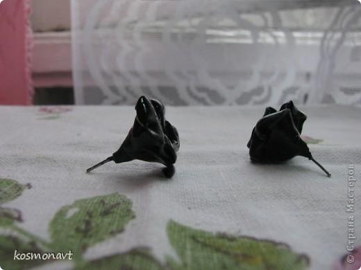 Первый раз лепила из пластики,покрыла краской для стекла и керамики черной. фото 2