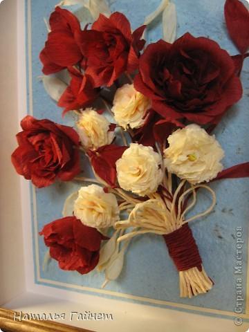 """Панно """"Чайные розы"""". Под впечатлением результатов от МК http://stranamasterov.ru/node/131184?c=favorite накрутила букетик таких роз только из креповой бумаги Примечательно в таких цветах то, что они делаются без клея фото 10"""