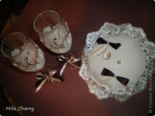 """Здравствуйте, мастера и мастерицы!  Сотворила пару свадебных наборчиков (бокалы + подушечка для колец). Хотелось бы знать ваше мнение! Первый набор назвала """"Элегантность"""" фото 3"""