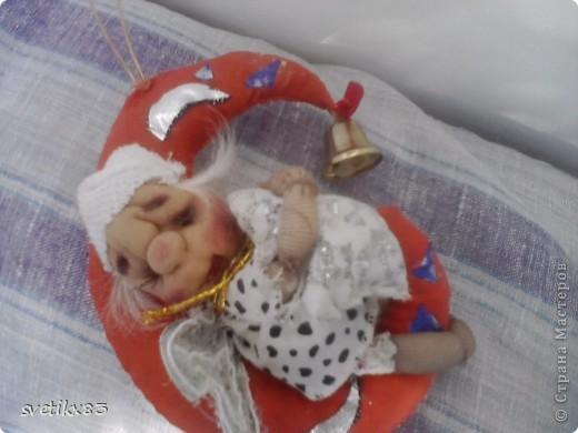 Это мой первый опыт в шитье кукол из капроновых колготок.Швейной машинки у меня нет-все сшито руками. фото 2