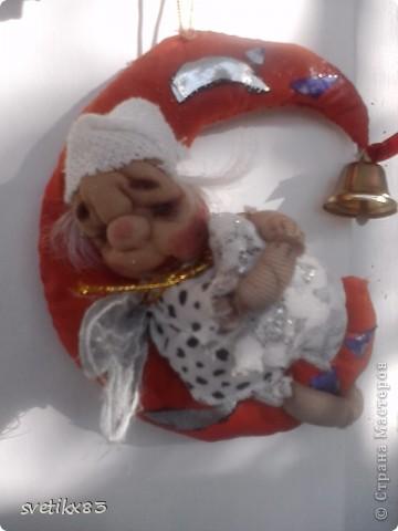 Это мой первый опыт в шитье кукол из капроновых колготок.Швейной машинки у меня нет-все сшито руками. фото 3