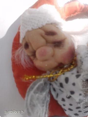 Это мой первый опыт в шитье кукол из капроновых колготок.Швейной машинки у меня нет-все сшито руками. фото 4