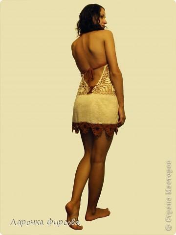 Такое вот родилось летнее платьице для любимой сестрички. Она нарисовала мне, какое бы она хотела, ну я и соорудила...  Получилось опять чуть откровеннее, чем я планировала, но мы решили что под охраной ее парня носить можно)))) Что скажете? фото 2