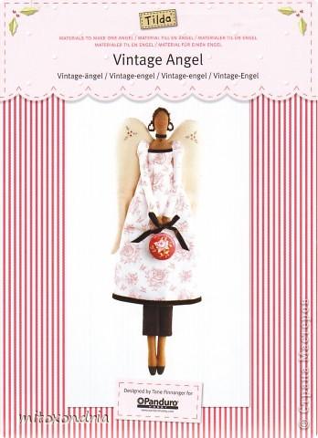 Агата- винтажный ангел. Платье я только сделала длиннее и пышнее, чем у оригинала. Ткань тела и платья - бязь, крылья, штаники, туфли и сумочка-ситец. Лицо, крылья и сумочку вышила нитками мулине. Волосы- пряжа букле. фото 8