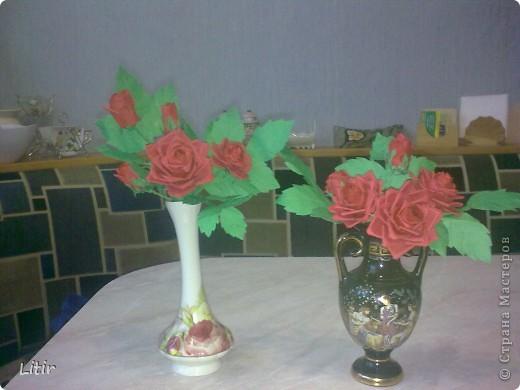 Решила попробовать что-то кроме квиллинга. Розы делала по МК ASTORIA - http://fotki.yandex.ru/users/asti-n/album/157207/ . С нетерпением жду ваших комментариев. фото 1