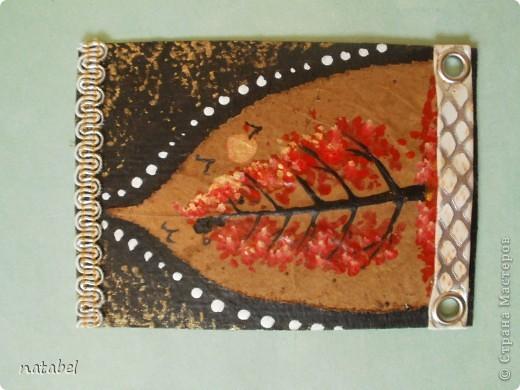 Мои первые разрисованные листья. Цветовая палитра немного диковата, но такой процесс увлекательный... фото 3