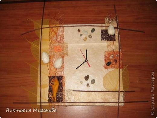 """Африка в бутылке.... Материал:бутылка (""""Старый мельник""""),соленое тесто,акриловые краски,объемный контур,дерев.бусины,вырезка из газеты,тесьма....  фото 15"""