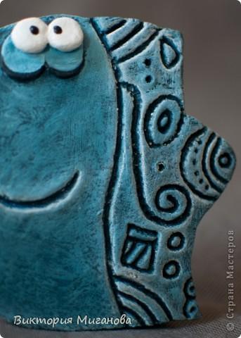 """Африка в бутылке.... Материал:бутылка (""""Старый мельник""""),соленое тесто,акриловые краски,объемный контур,дерев.бусины,вырезка из газеты,тесьма....  фото 14"""