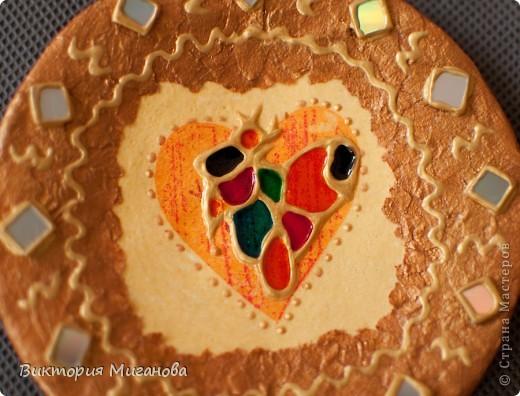 """Африка в бутылке.... Материал:бутылка (""""Старый мельник""""),соленое тесто,акриловые краски,объемный контур,дерев.бусины,вырезка из газеты,тесьма....  фото 8"""