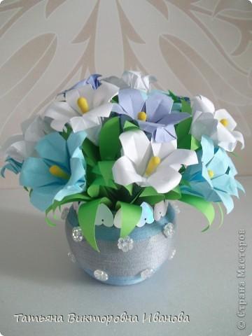 Здравствуйте все любители цветов! Цветы всегда приносят радость и хорошее настроение в любой дом. Но срезанные цветы рано или поздно вянут, а мои цветочки останутся цветущими всегда. Спасибо всем мастерицам, которые вдохновляют нас такой красотой. Эти цветочки я сделала по этому МК: http://stranamasterov.ru/node/81591?c=favorite  фото 10