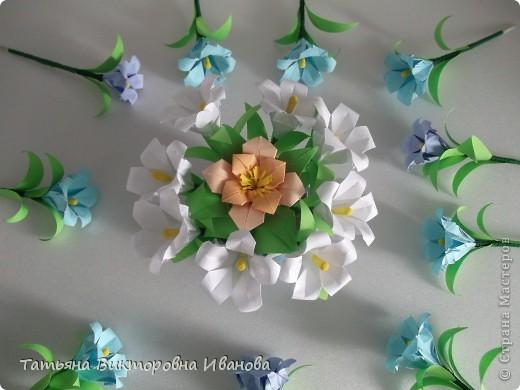 Здравствуйте все любители цветов! Цветы всегда приносят радость и хорошее настроение в любой дом. Но срезанные цветы рано или поздно вянут, а мои цветочки останутся цветущими всегда. Спасибо всем мастерицам, которые вдохновляют нас такой красотой. Эти цветочки я сделала по этому МК: http://stranamasterov.ru/node/81591?c=favorite  фото 9
