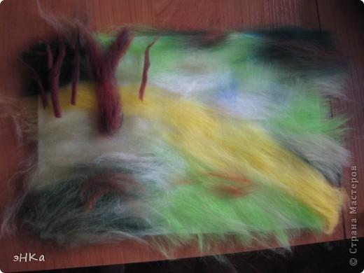 Всем добрый день! Хочу предложить вам мастер -класс по технике Painting wool или живопись шерстью.    Итак: Для работы взяла размер А4. Для начинающих мастериц лучше использовать картинку из журнала или любимую фотографию, так как она подскажет расположение цвета и теней. Использовала 100% тонкую шерсть и белоснежную вискозу. фото 3