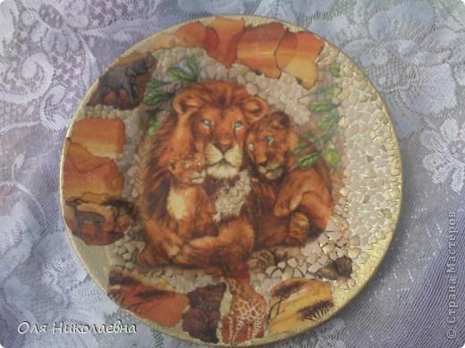 В подарок средней сестрёнке на день рождения. Она львица! Вот такая получилась тарелочка. фото 1