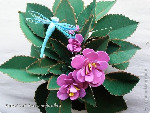 в квиллинге горшочек. феечка-цветочница, а цветок - не знаю. из бархатной бумаги делала листья, цветки - из резиновой фото 2