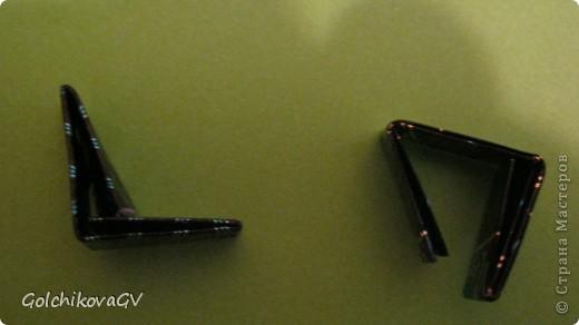 Эти обручи были сделаны для выступления индианок.  Они сделаны в той же технике, что и сундучок: http://stranamasterov.ru/node/204366,  и вазочка: http://stranamasterov.ru/node/202906. Попросили объяснить технику,  поэтому и создала МК. Может и еще кому-нибудь пригодится. фото 6