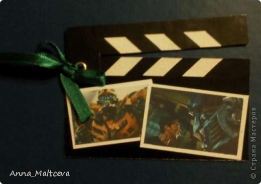 """Привет! Это моя вторая серия. называется она """"Камера, мотор!"""". Карточки выполнены в виде киношных хлопушек) Верхняя часть хлопушки подвижная, она на люверсе. Первой выбрать, если понравится что-то, предлагаю Vitulichka http://stranamasterov.ru/user/8988 . фото 3"""