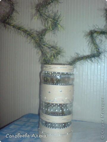 Бутылка декорирована джутовым шпагатом, цветы из шпагата бумажного. фото 5