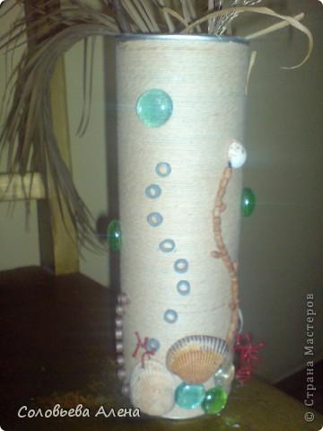 Бутылка декорирована джутовым шпагатом, цветы из шпагата бумажного. фото 7