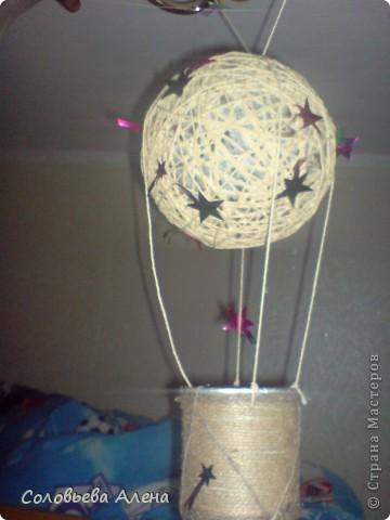 Бутылка декорирована джутовым шпагатом, цветы из шпагата бумажного. фото 8