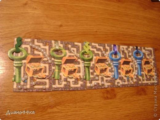 Вот как и обещала сделала ещё одно продолжение для Юлии(bagira1965),Марины(ШМыГа),Светланы(svetamk) - зелёные ключики,natabel-синий ключик,Светлана Сычёва так и не ответила с каким ключиком сделать,поэтому если понравится может забрать карточку с синим ключиком после natabel.ИЗВИНИТЕ за качество фото.На некоторых карточках клей ещё не подсох,так как только закончила,поэтому видны блики. фото 1