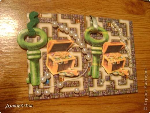 Вот как и обещала сделала ещё одно продолжение для Юлии(bagira1965),Марины(ШМыГа),Светланы(svetamk) - зелёные ключики,natabel-синий ключик,Светлана Сычёва так и не ответила с каким ключиком сделать,поэтому если понравится может забрать карточку с синим ключиком после natabel.ИЗВИНИТЕ за качество фото.На некоторых карточках клей ещё не подсох,так как только закончила,поэтому видны блики. фото 2