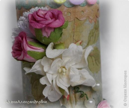Эта карандашница сделана из бобины от лент, которую мне любезно дали в цветочном магазине. А МК в блоге замечательной девушки Дины  http://paper-fairytale.blogspot.com/2011/07/blog-post_30.html фото 7