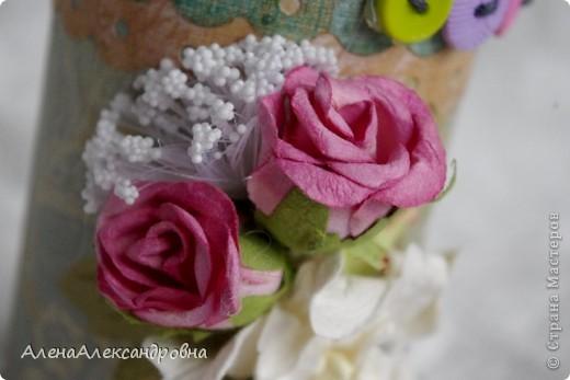 Эта карандашница сделана из бобины от лент, которую мне любезно дали в цветочном магазине. А МК в блоге замечательной девушки Дины  http://paper-fairytale.blogspot.com/2011/07/blog-post_30.html фото 10