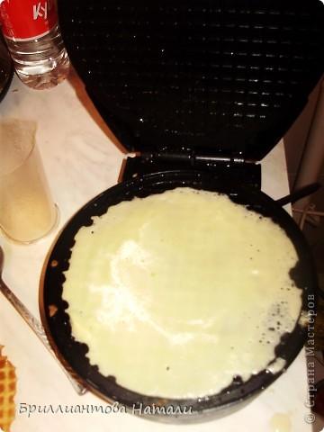 """Девочки, попробуйте наши вафельные чипсы..Мы их""""трескаем"""")))) всей семьей..  Нужна вафельница и немножко свободного времени, минут 30..  фото 4"""