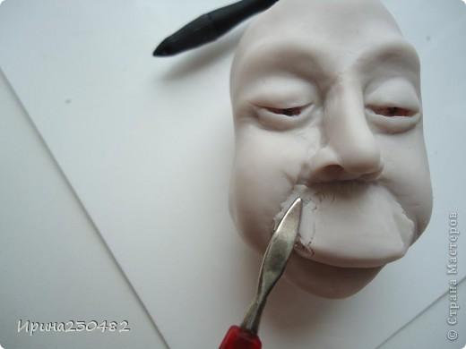 Продолжение мастер-класса:  Нащупываем глаза и инструментом раздвигаем пластику фото 16