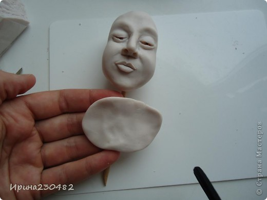 Продолжение мастер-класса:  Нащупываем глаза и инструментом раздвигаем пластику фото 24
