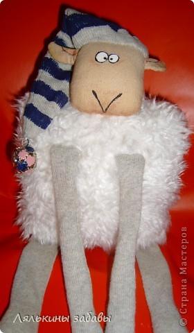 """по мотивам иллюстраций""""овечка Рассел"""" сидя 20 см,стоя-40см Лапки утяжелены пластиковым гранулятом. фото 2"""