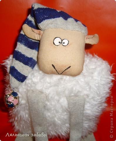 """по мотивам иллюстраций""""овечка Рассел"""" сидя 20 см,стоя-40см Лапки утяжелены пластиковым гранулятом. фото 4"""